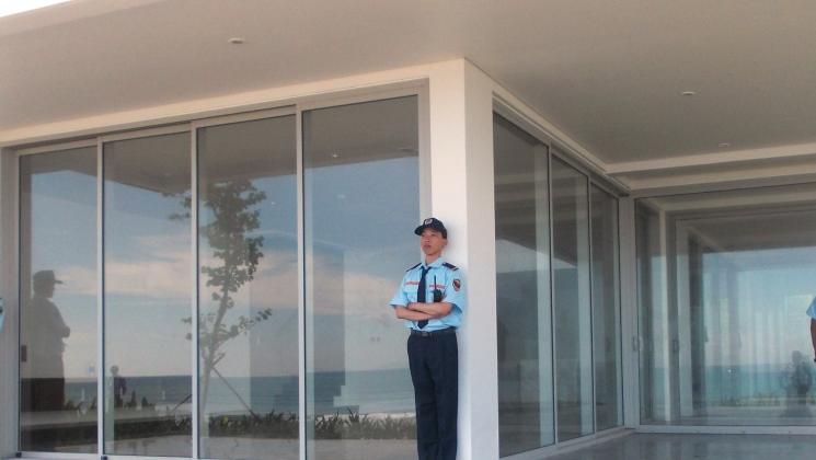 Bảo vệ tòa nhà, khách sạn, resort